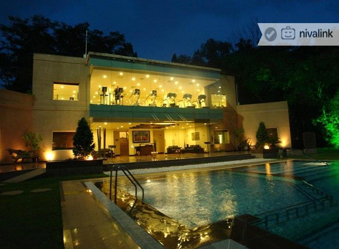 The Lalit Ashok Is A Centrally Located Luxury Hotel Near Golf Course At Bangalore Offers Wide Range Of Dining And Event Es Por For