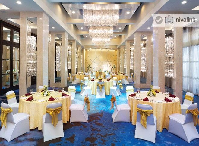 restaurats at duble tree by hilton pune